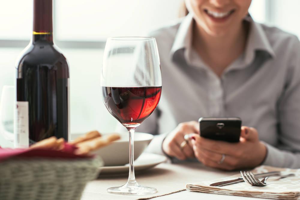 Los Beneficios para la Salud de Tomar Una Copa de Vino